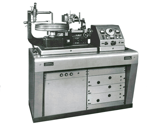 lathe1 1 50 Years of Record Cutting and Stereo Bass for Vinyl
